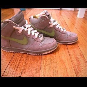 Women's Nike Dunk High Tops Green & Grey